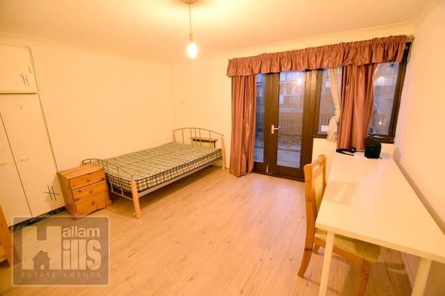 Flat to rent in St. Philips Road, Sheffield, South Yorkshire