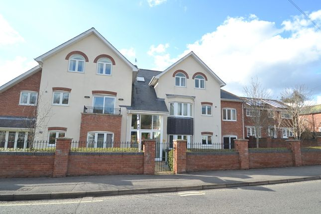 Thumbnail Flat for sale in Manor Road, Verwood