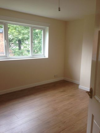 Thumbnail Flat to rent in Parkhill Crescent, Wakefield