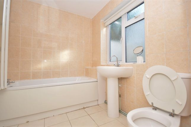 Bathroom of Dewe Road, Brighton BN2