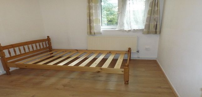 Thumbnail Shared accommodation to rent in Cannon Street Road, Shadwell