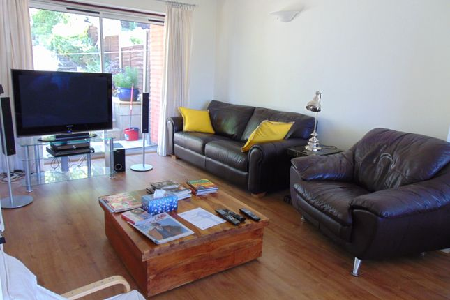 Thumbnail Semi-detached house to rent in Vernon Drive, Stanmore