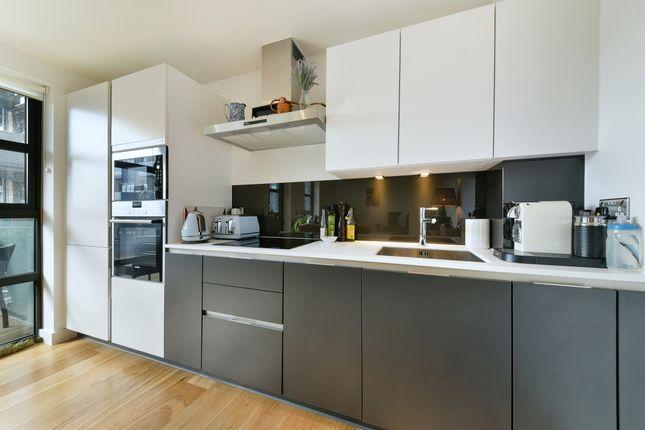 Kitchen of Alwen Court, Bermondsey, London SE1