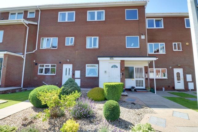 Thumbnail Flat for sale in The Chequers, Scunthorpe