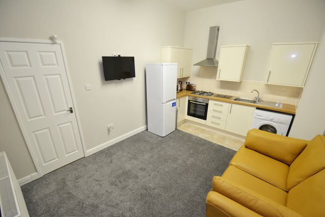 2 bed flat to rent in Hartington Road, Toxteth, Liverpool, Merseyside