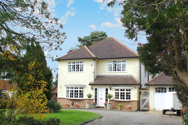 Thumbnail Detached house for sale in Upland Drive, Brookmans Park, Hatfield