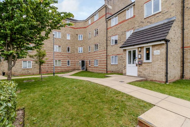 Thumbnail Flat for sale in Evelyn Place, Chelmsford, Essex