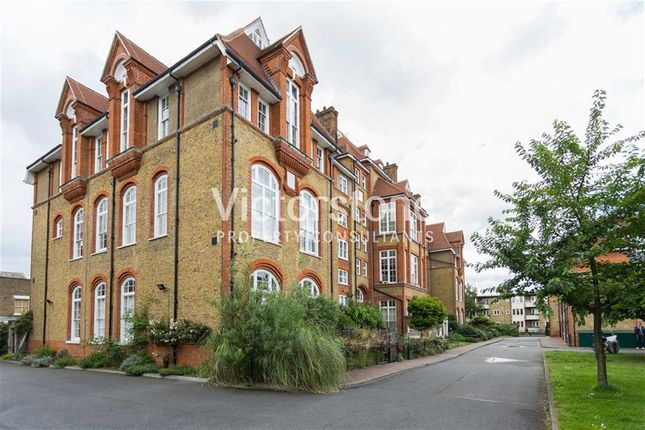 2 bed flat for sale in 6 Lansdowne Drive, Hackney, London