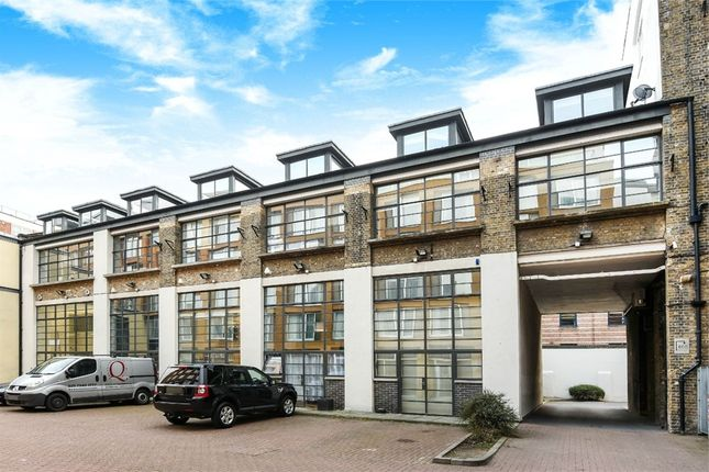 Thumbnail Terraced house for sale in Bluelion Place, London Bridge