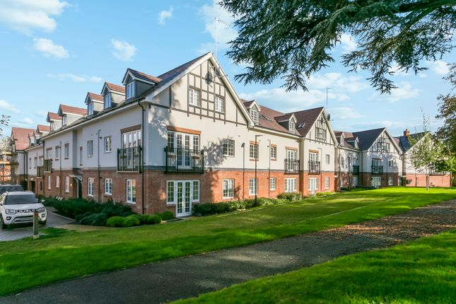 2 bed flat for sale in Ranulf Court, Grange Road, Chalfont St. Peter SL9