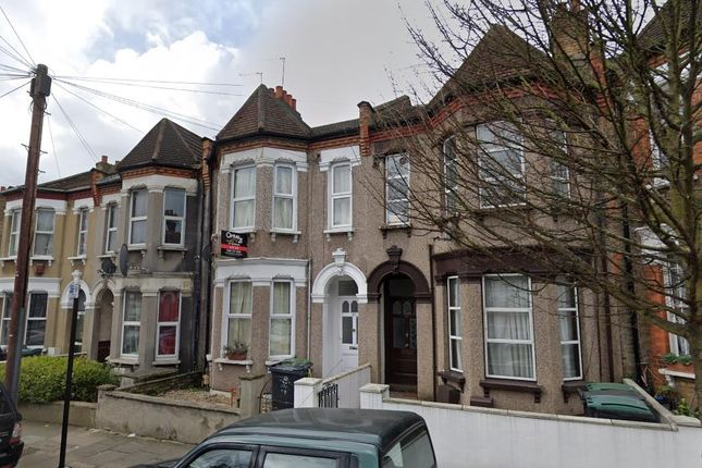 Thumbnail Flat for sale in Dongola Road, London