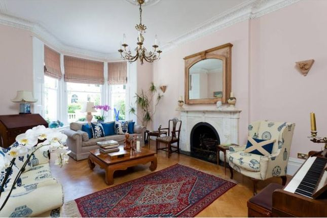 Thumbnail Maisonette to rent in Argyll Road, London