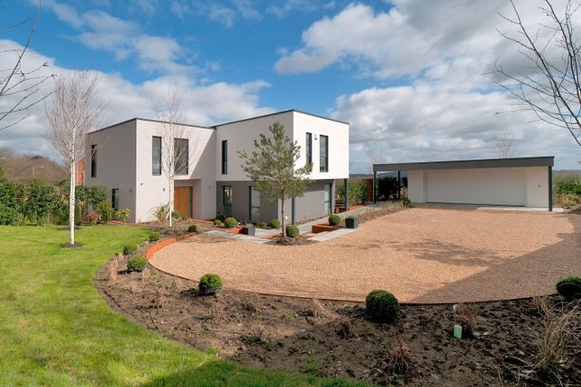 Thumbnail Detached house for sale in London Road, Southborough, Tunbridge Wells
