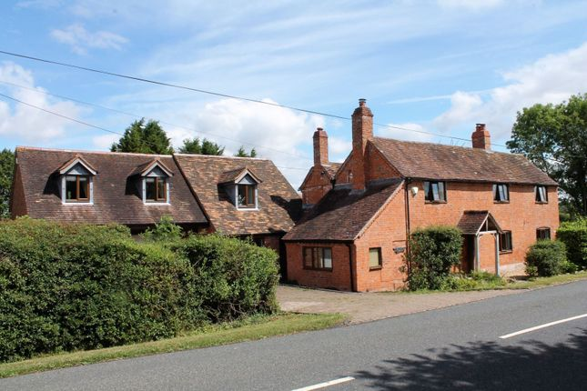 Thumbnail Country house for sale in Radford Road, Flyford Flavell