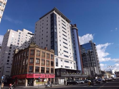 Thumbnail Flat to rent in Landmark Place, City Centre, Cardiff