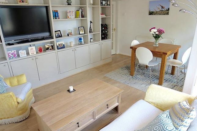 Flat for sale in Innes Gardens, London