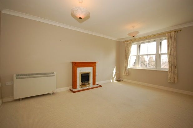 Thumbnail Flat to rent in New Town, Uckfield