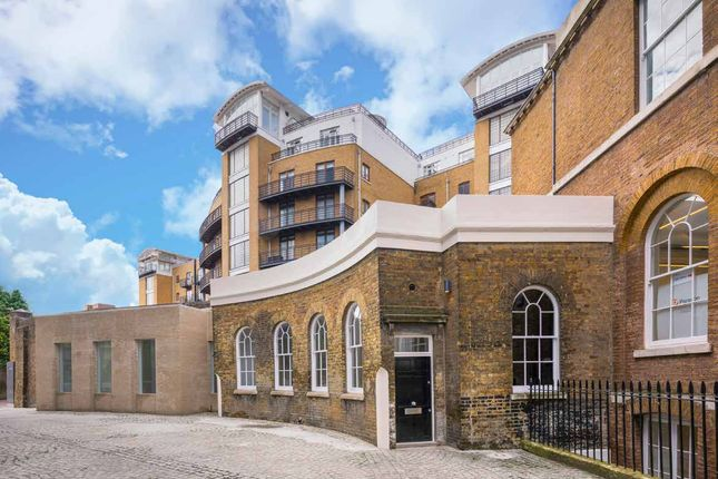 Thumbnail Office to let in The Curve, Rotherwick House, London