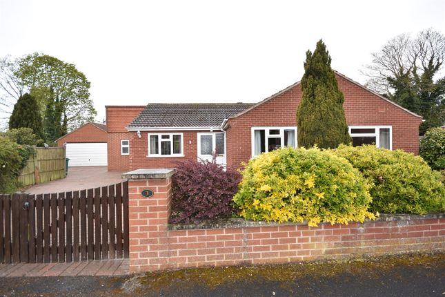 3 bed detached bungalow for sale in Meering Close, Collingham, Newark NG23