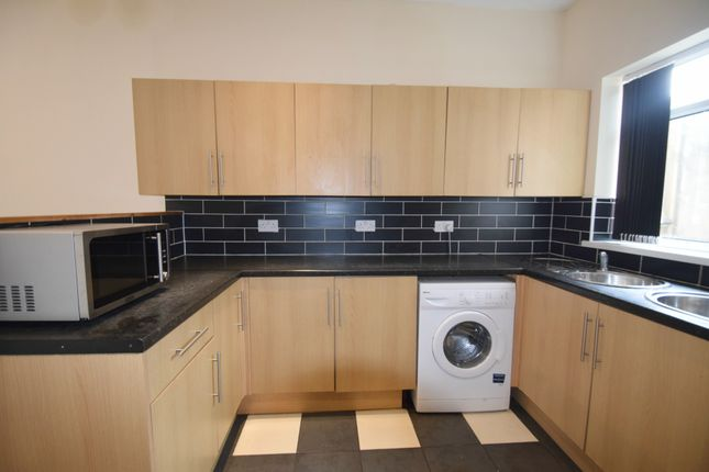 Thumbnail End terrace house to rent in Dogfield Street, Cardiff