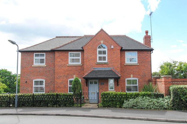 Thumbnail Detached house for sale in Charingworth Drive, Hatton Park, Warwick