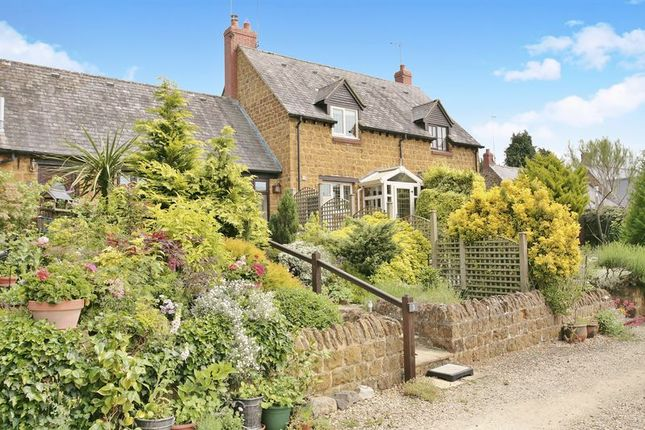 Thumbnail Cottage for sale in Main Road, Swalcliffe, Banbury