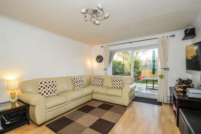 Thumbnail End terrace house to rent in Eastmead, Woking