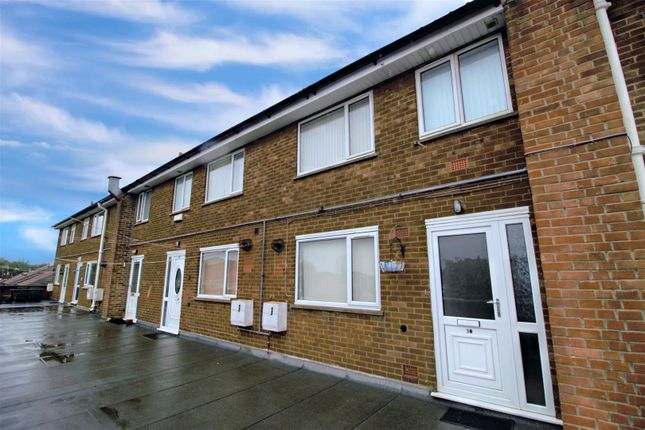 Thumbnail Flat for sale in Monksway, Silverdale, Nottingham