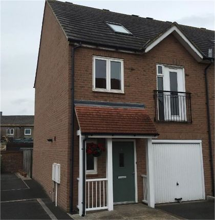 Thumbnail Town house to rent in Angelica Close, Consett, Durham