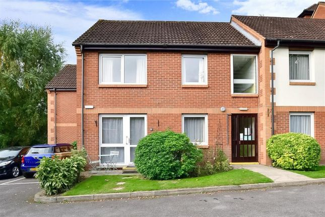 1 bed flat for sale in Linkfield Lane, Redhill, Surrey RH1