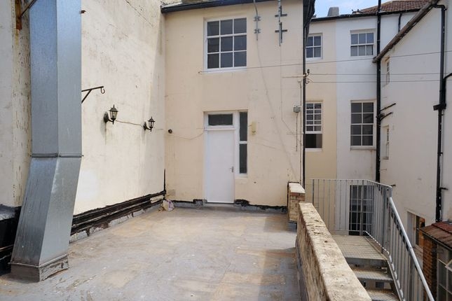 Thumbnail Maisonette to rent in Seaside Road, Eastbourne