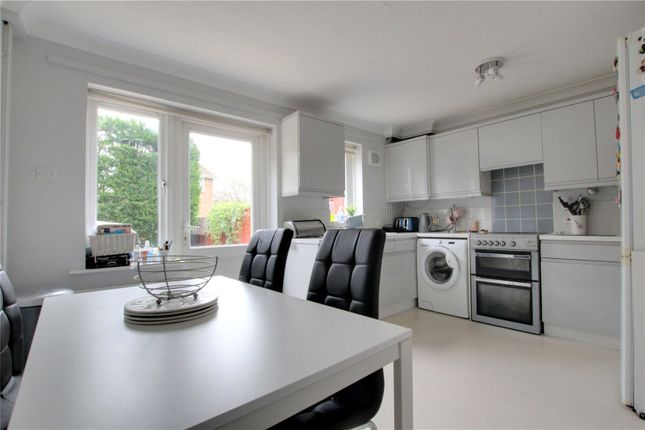 2 bed semi-detached house to rent in Alder Close, Lower Earley, Reading RG6