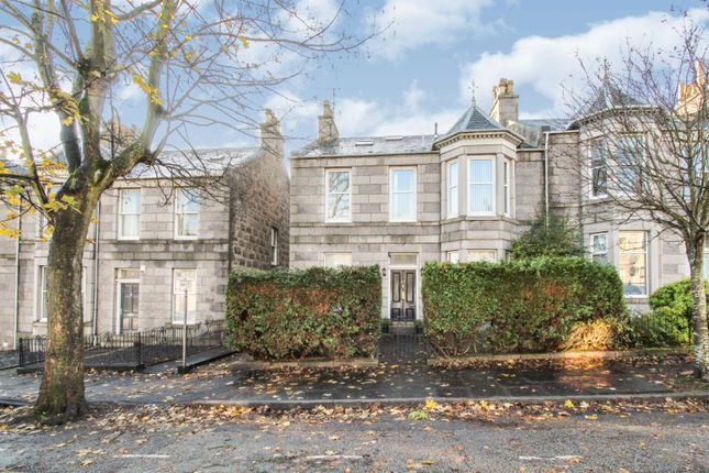 Thumbnail Flat for sale in Grosvenor Place, Aberdeen