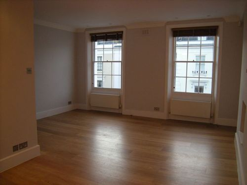 3 bed flat to rent in Denbigh Street, London Sw1