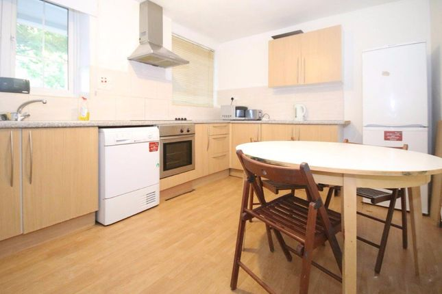 Thumbnail Flat to rent in Meadow Road, London