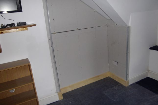Thumbnail Shared accommodation to rent in 33 Bernard Street, Swansea