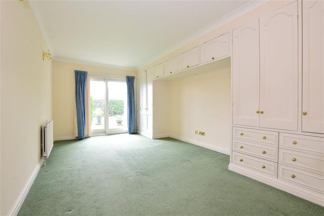 Thumbnail Flat for sale in Hutton Road, Shenfield, Brentwood, Essex