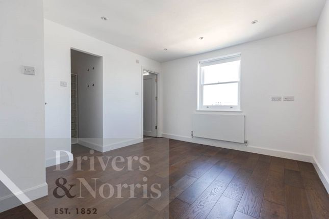 Thumbnail Flat to rent in Gloucester Avenue, Primrose Hill, London