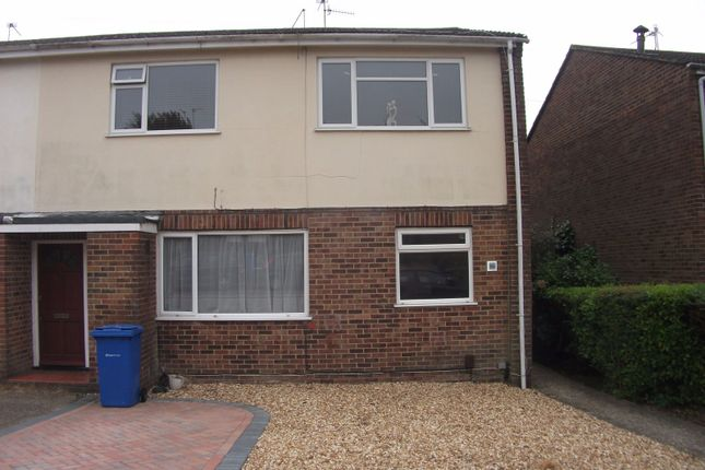 2 bed flat to rent in Mayford Road, Poole