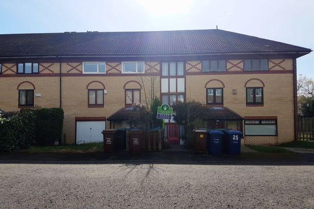 Thumbnail Flat to rent in Holeyn Road, Throckley, Newcastle Upon Tyne