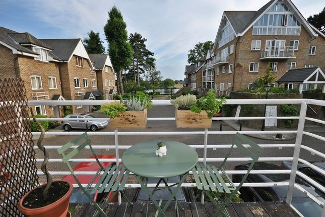 1 bed flat for sale in Thames Close, Hampton