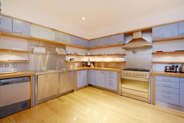Thumbnail Town house to rent in Dorset Mews, London