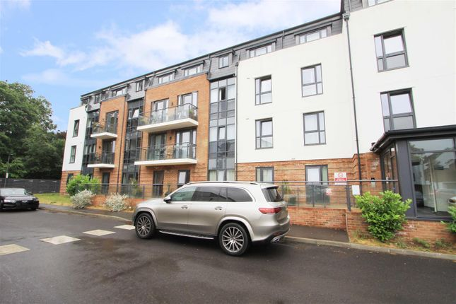 Flat for sale in Constabulary Close, West Drayton