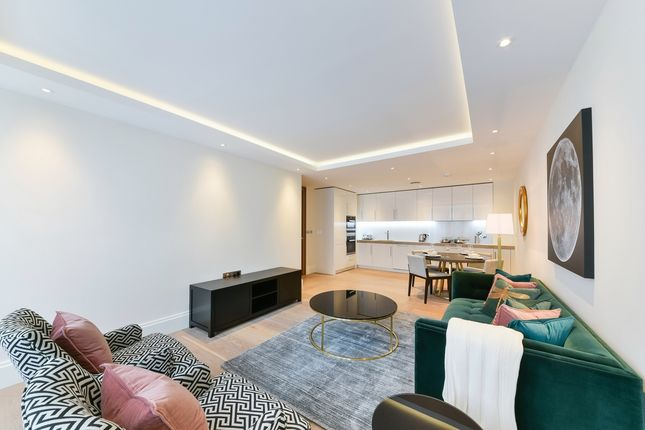 Thumbnail Flat to rent in Temple House, 190 Strand, London