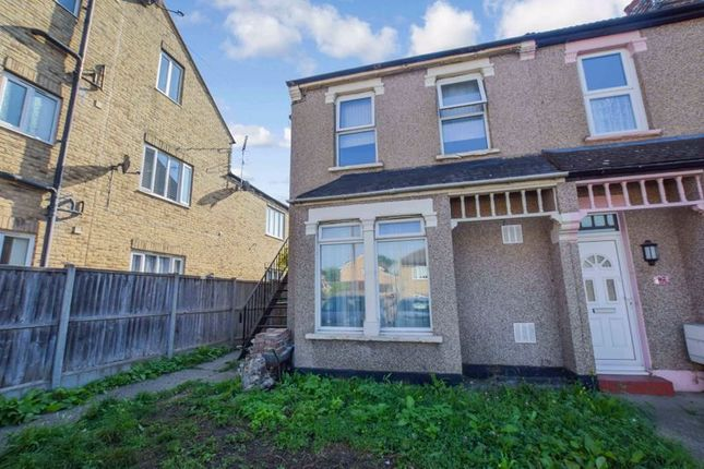 1 bed flat for sale in Victoria Road, Stanford-Le-Hope SS17