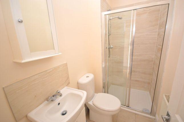 Bathroom of Baldridgeburn, Dunfermline, Fife KY12