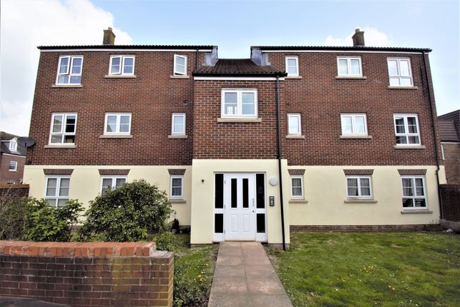 Thumbnail Flat for sale in Kingfisher Avenue, Gillingham, Dorset. Popular Location.