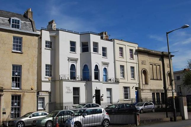 Office to let in Portland House, 4 Albion Street, Cheltenham, Gloucestershire