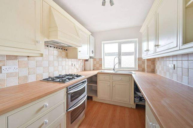Thumbnail Flat to rent in Hexham Road EN5, Barnet,