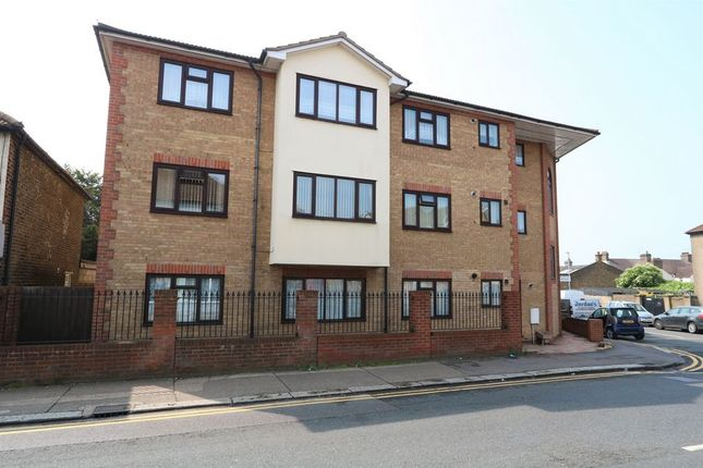 1 bed property for sale in Gipsy Lane, Grays